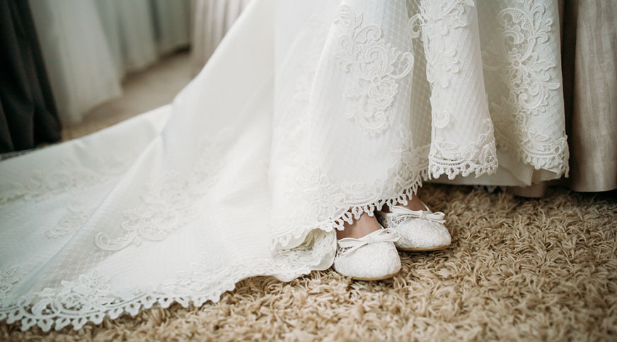 bride shoes and dress - انتخاب مدل کفش عروس