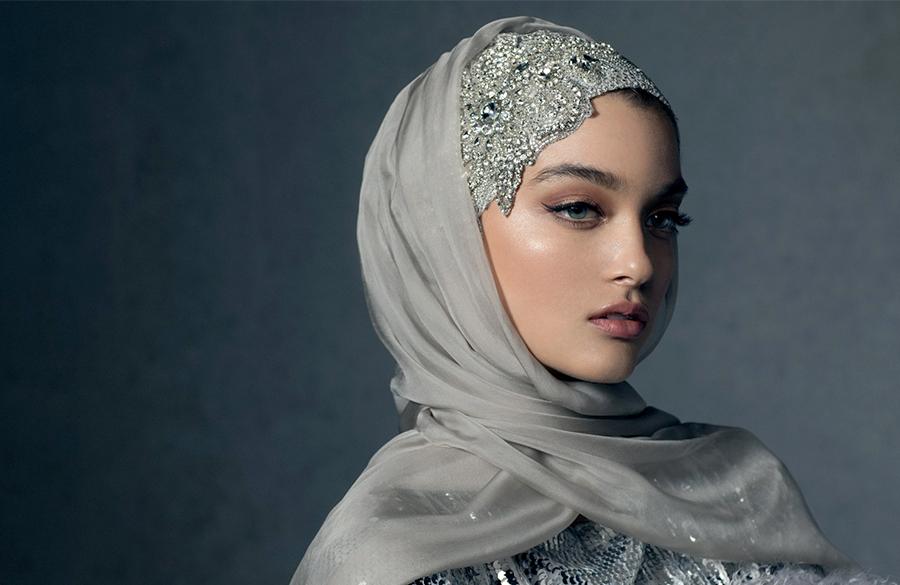 جدیدترین شال و روسری های مد روز از ابریشمی تا گل دار