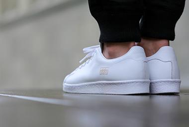 ۸ روش تضمین شده برای تمیز کردن کفش سفید